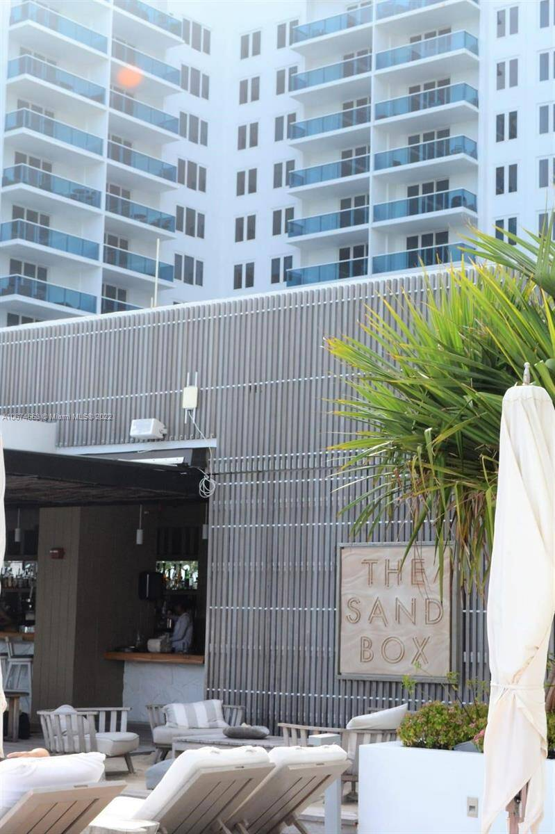 Roney Palace Unit #828 | Picture 5