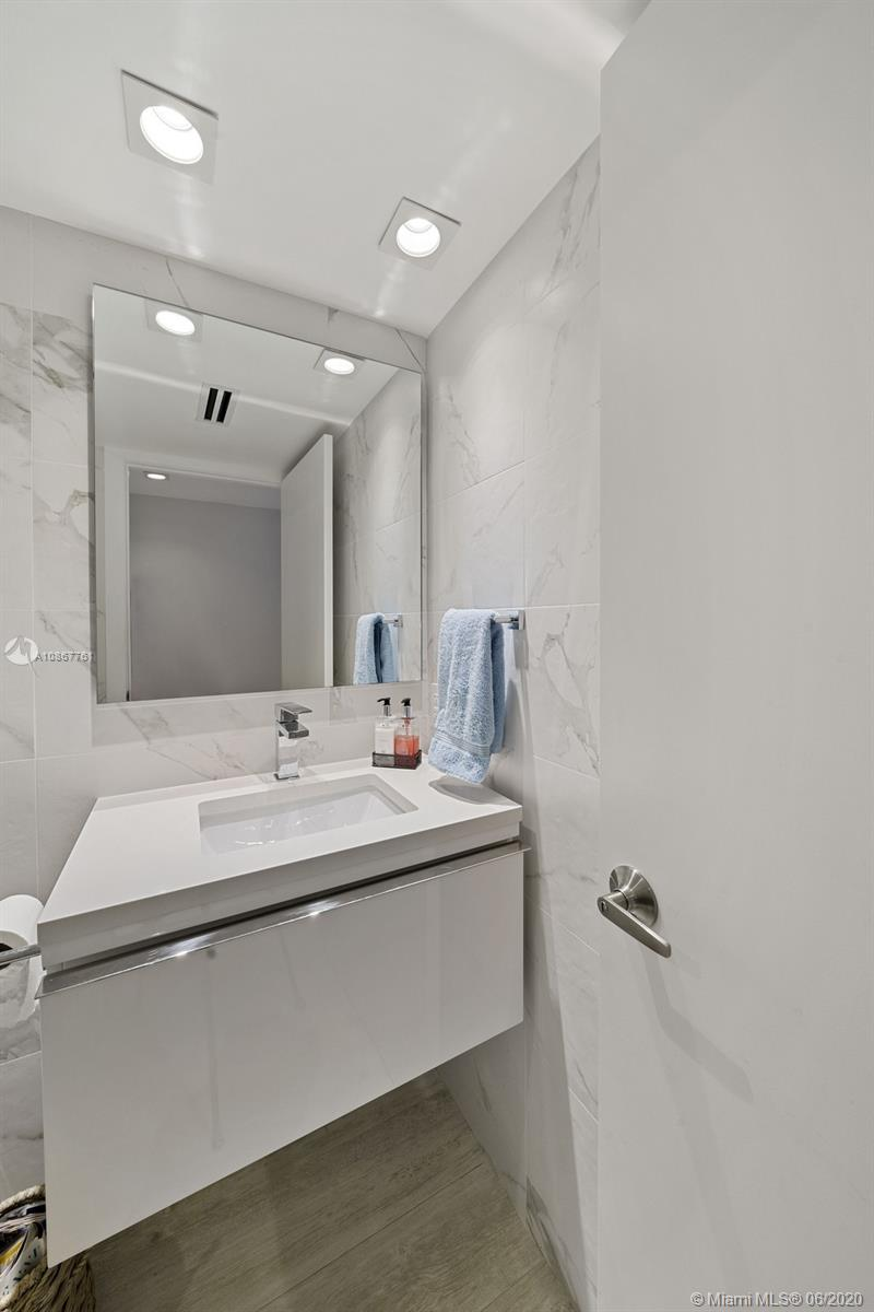 Roney Palace Unit #1523-24 | Picture 16