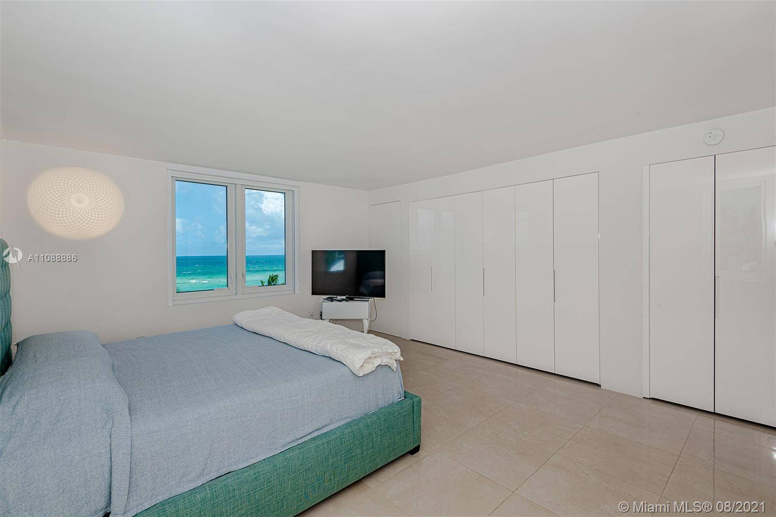 Roney Palace Unit #410 | Picture 17