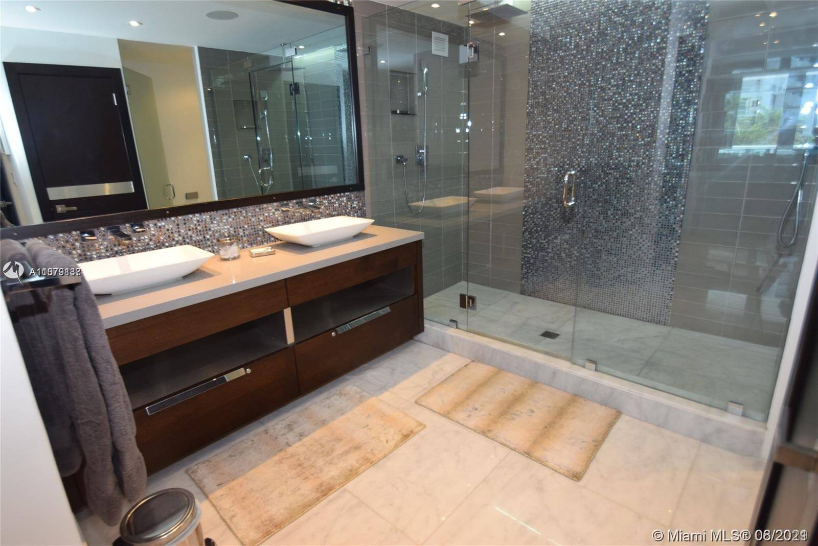 Roney Palace Unit #307 | Picture 10